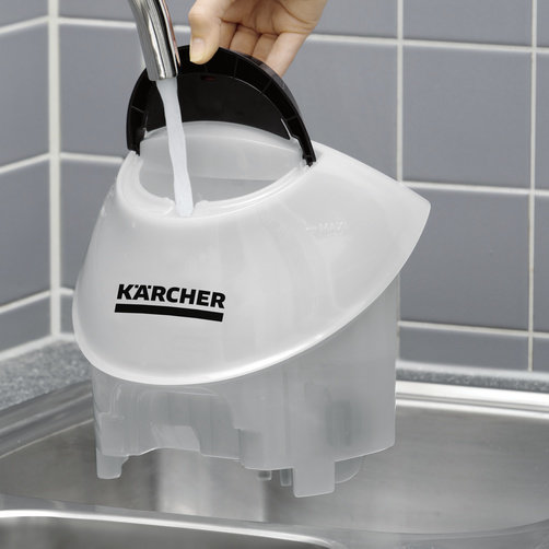 Continuously refillable, detachable water tank